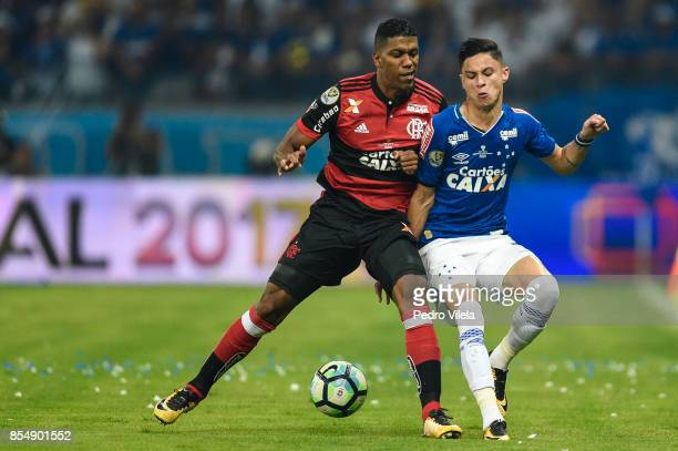 Diego Barbosa of Cruzeiro struggles for the ball with Orlando Berrio of Flamengo during a match between Cruzeiro and Flamengo as part of Copa do...