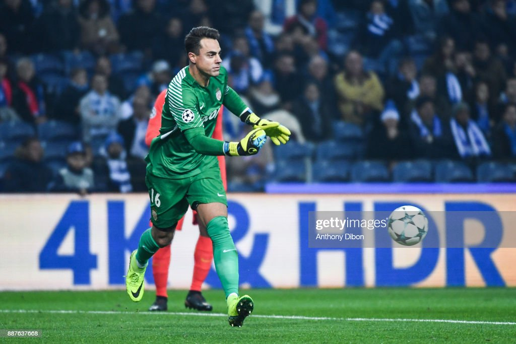 Diego Benaglio of Monaco during the Uefa Champions League match between Fc Porto and As Monaco at Estadio do Dragao on December 6, 2017 in Porto, Portugal.