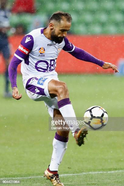 Diego Castro of Perth Glory scores a goal during the round 16 ALeague match between the Melbourne Victory and Perth Glory at AAMI Park on January 13...