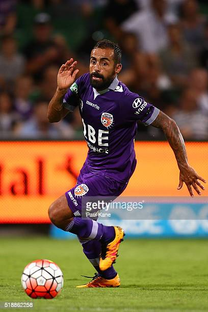 Diego Castro of the Glory controls the ball during the round 26 ALeague match between the Perth Glory and Melbourne City FC at nib Stadium on April 3...