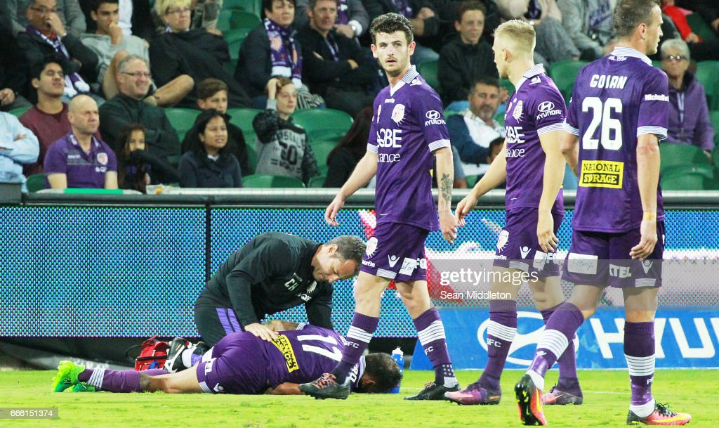 Diego Castro #17 of the Glory during the round 26 A-League match between the Perth Glory and Brisbane Roar at nib Stadium on April 8, 2017 in Perth, Australia.