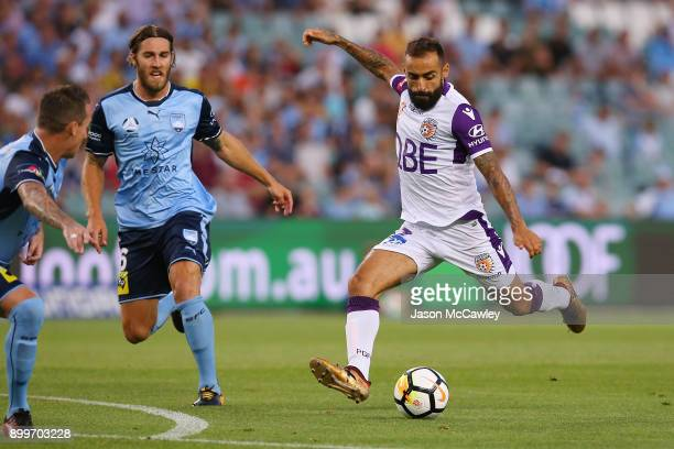 Diego Castro of the Glory kicks during the round 13 ALeague match between Sydney FC and Perth Glory at Allianz Stadium on December 30 2017 in Sydney...