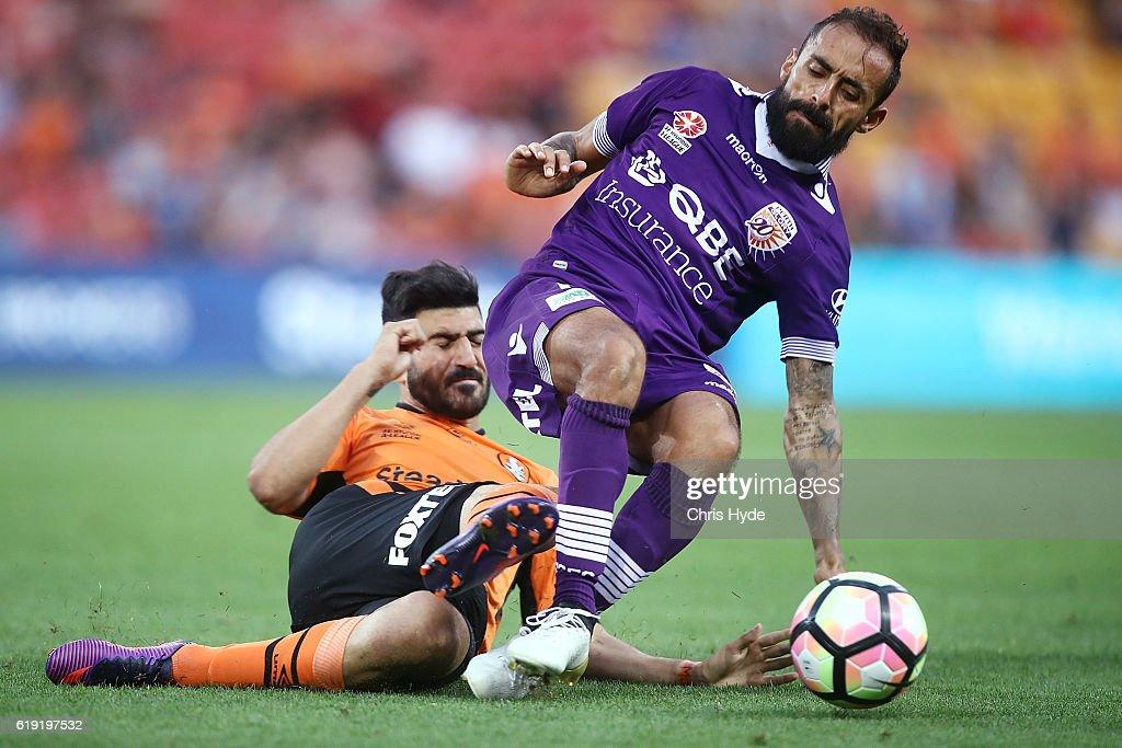 A-League Rd 4 - Brisbane v Perth : News Photo