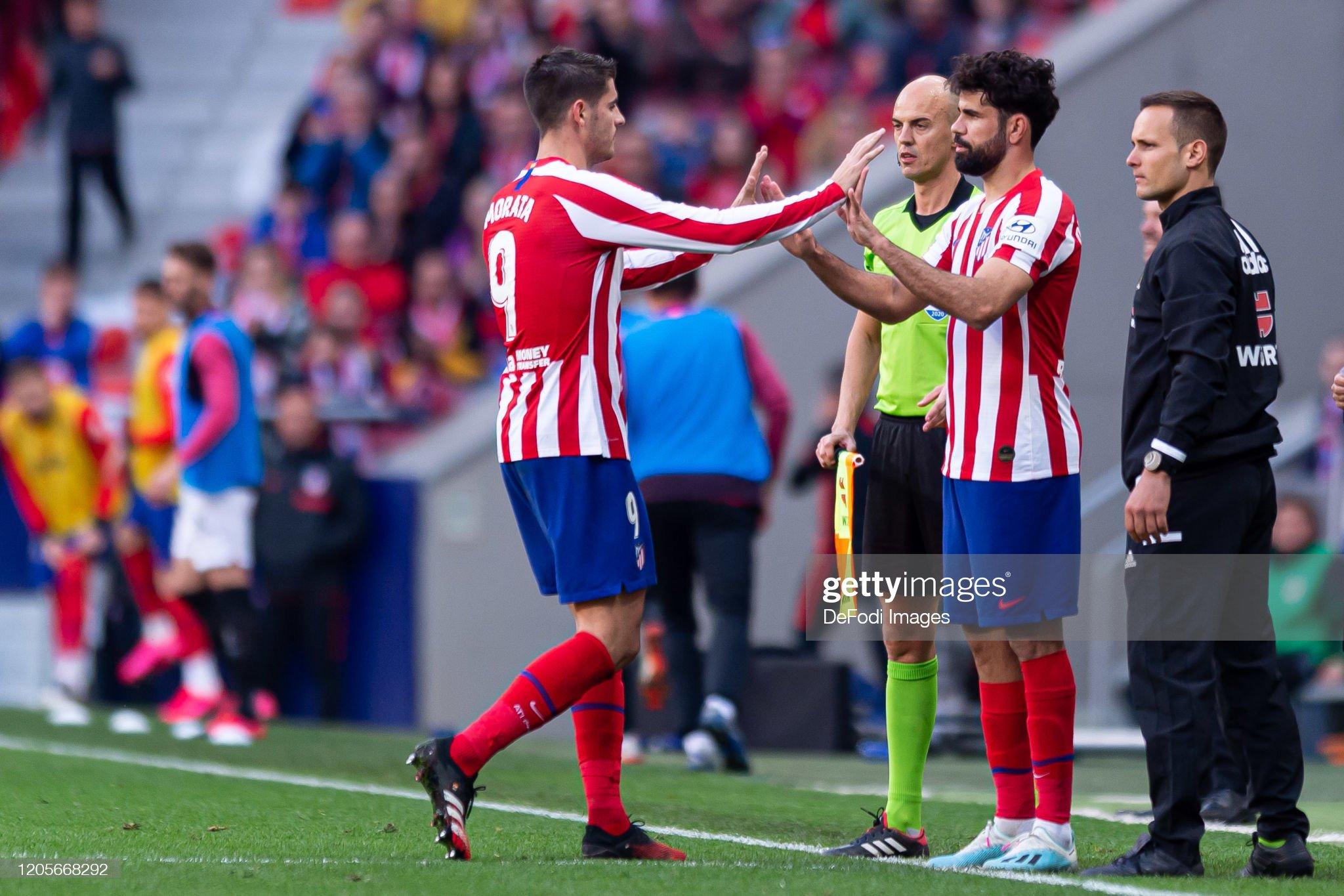 ¿Cuánto mide Álvaro Morata? - Altura - Real height Diego-costa-of-atletico-de-madrid-substitutes-alvaro-morata-of-de-picture-id1205668292?s=2048x2048