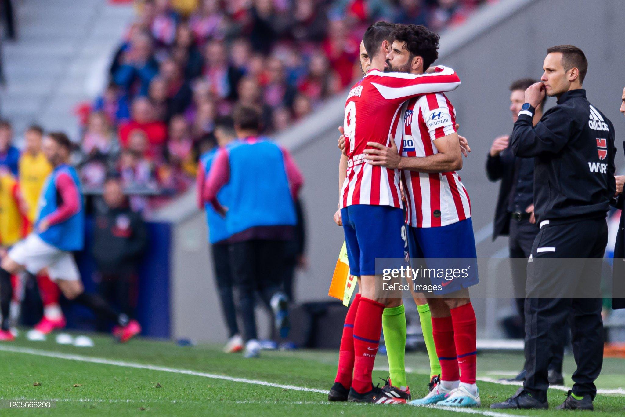 ¿Cuánto mide Álvaro Morata? - Altura - Real height Diego-costa-of-atletico-de-madrid-substitutes-alvaro-morata-of-de-picture-id1205668293?s=2048x2048