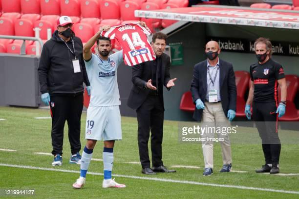 Diego Costa of Atletico Madrid celebrates 11 during the La Liga Santander match between Athletic de Bilbao v Atletico Madrid at the Estadio San Mames...