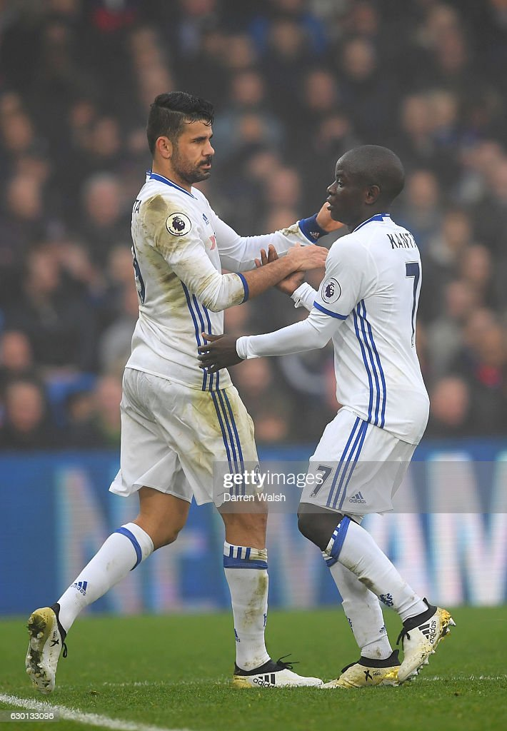Diego Costa of Chelsea (L) celebrates scoring his sides first goal with N'Golo Kante of Chelsea (R) during the Premier League match between Crystal Palace and Chelsea at Selhurst Park on December 17, 2016 in London, England.