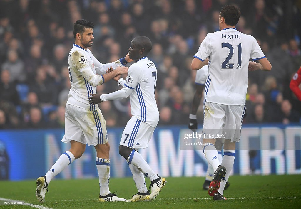 Diego Costa of Chelsea (L) celebrates scoring his sides first goal with N'Golo Kante of Chelsea (C) during the Premier League match between Crystal Palace and Chelsea at Selhurst Park on December 17, 2016 in London, England.
