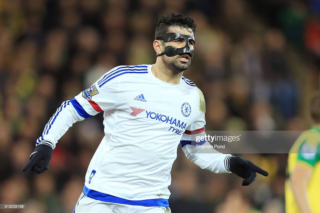 Diego Costa of Chelsea celebrates scoring his team's second goal during the Barclays Premier League match between Norwich City and Chelsea at Carrow Road on March 1, 2016 in Norwich, England.