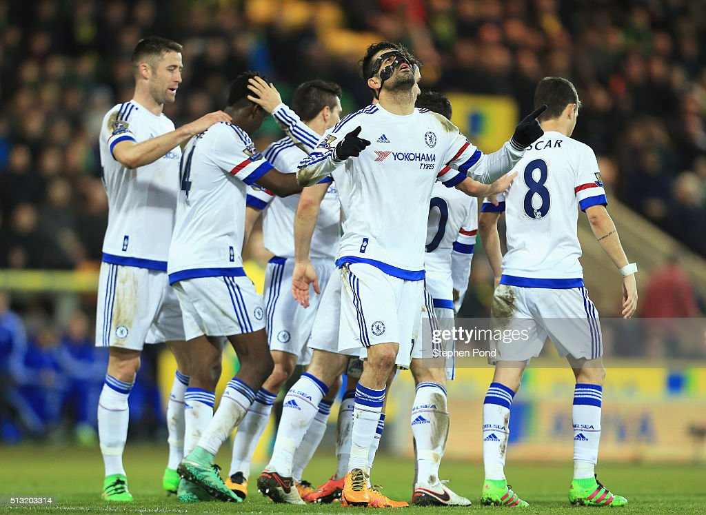 Diego Costa (C) of Chelsea celebrates scoring his team's second goal with his team mates during the Barclays Premier League match between Norwich City and Chelsea at Carrow Road on March 1, 2016 in Norwich, England.