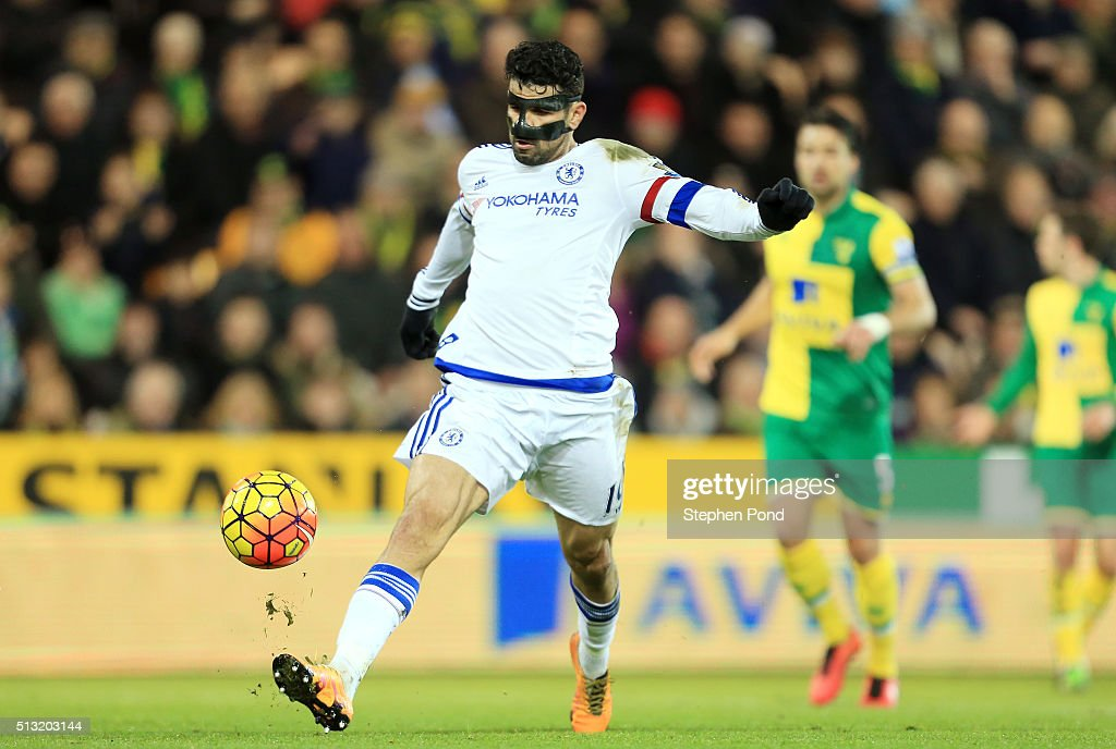 Diego Costa of Chelsea scores his team's second goal during the Barclays Premier League match between Norwich City and Chelsea at Carrow Road on March 1, 2016 in Norwich, England.