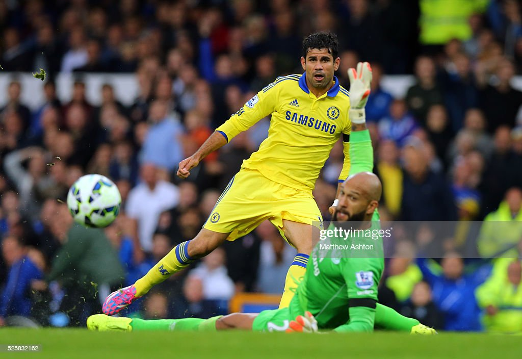 SOCCER : Barclays Premier League - Everton v Chelsea : News Photo