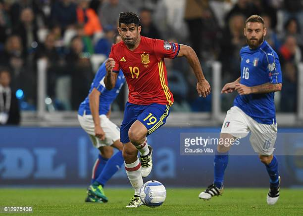 Diego Costa of Spain in action during the FIFA 2018 World Cup Qualifier between Italy and Spain at Juventus Stadium on October 6 2016 in Turin Italy