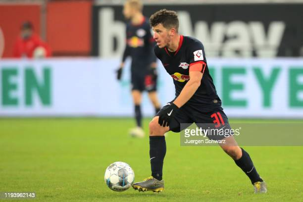 Diego Demme of Leipzig controls the ball during the Bundesliga match between Fortuna Duesseldorf and RB Leipzig at Merkur Spiel-Arena on December 14,...