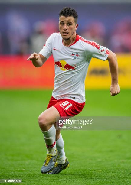 Diego Demme of Leipzig in action during the Bundesliga match between RB Leipzig and FC Bayern Muenchen at Red Bull Arena on May 11, 2019 in Leipzig,...