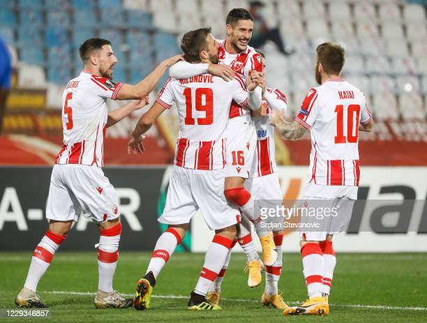 Diego Falcinelli of Crvena Zvezda celebrates after scoring a goal with team mates during the UEFA Europa League Group L stage match between Crvena...