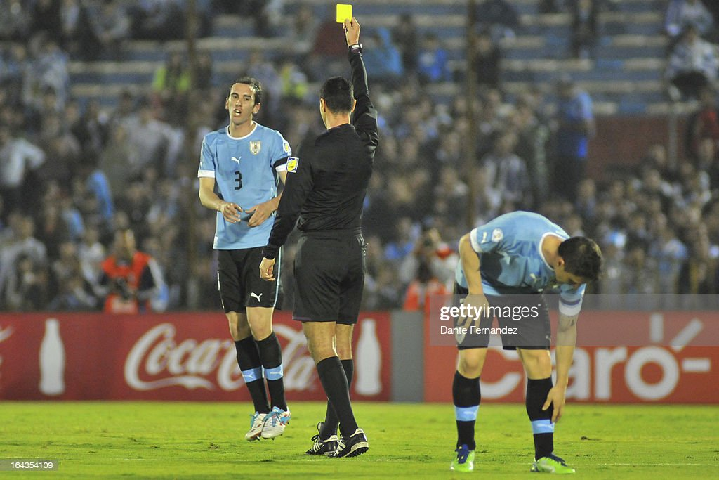 Uruguay v Paraguay - South American Qualifiers : News Photo