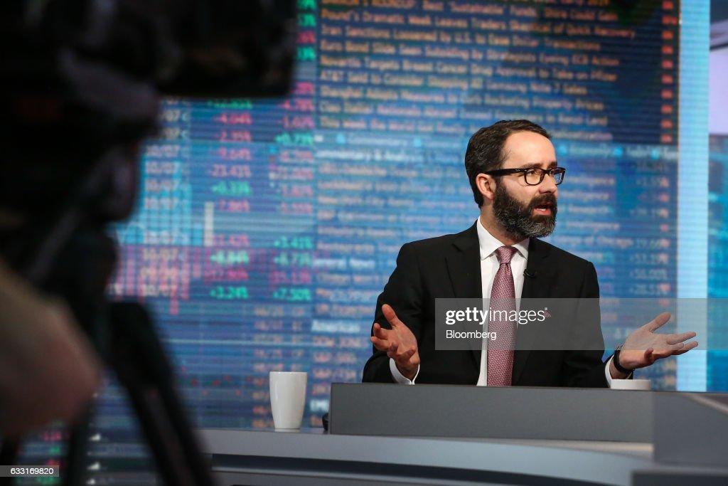 Mexico's New York Consul General Diego Gomez Pickering Interview : Fotografía de noticias