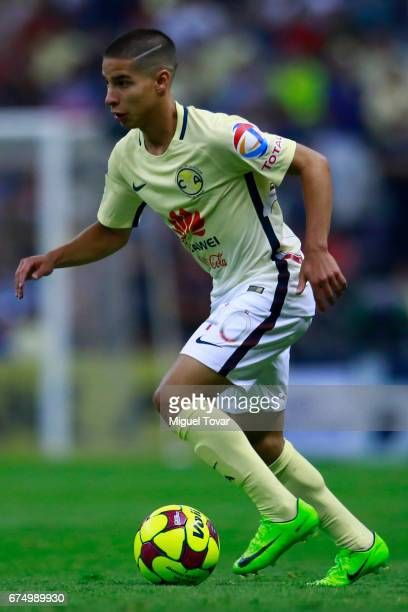 Diego Lainez of America drives the ball during the 16th round match between America and Atlas as part of the Torneo Clausura 2017 Liga MX at Azteca...