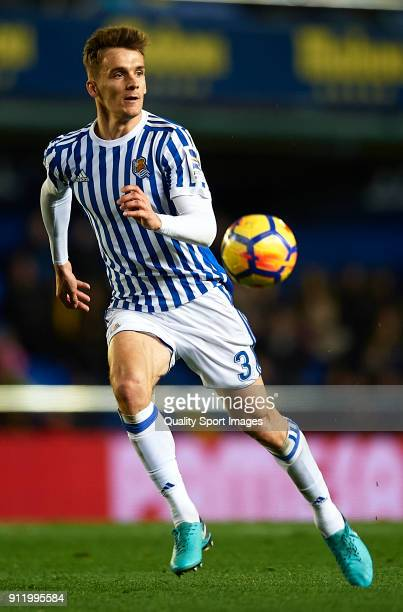 Diego Llorente of Real Sociedad runs with the ball during the La Liga match between Villarreal and Real Sociedad at Estadio de La Ceramica on January...