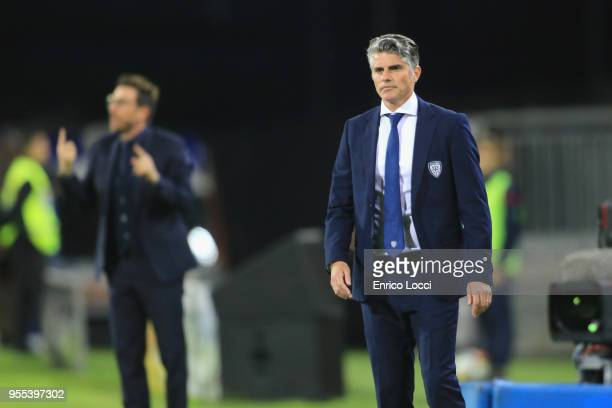Diego Lopez coach of Cagliari looks on during the serie A match between Cagliari Calcio and AS Roma at Stadio Sant'Elia on May 6 2018 in Cagliari...