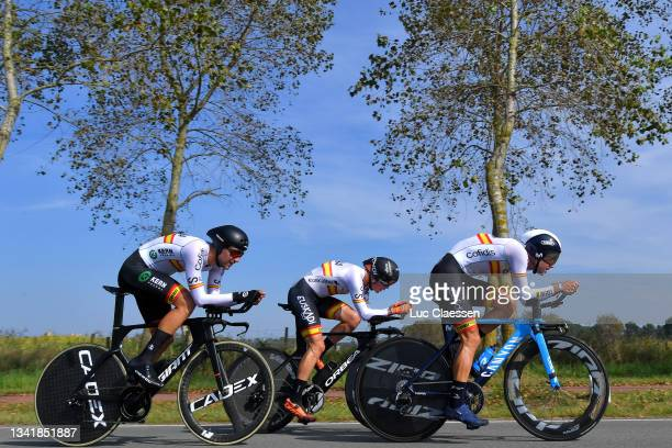 Diego Lopez Fuentes of Spain, Xavier Mikel Azparren Irurzun of Spain and Lluis Mas Bonet of Spain sprint during the 94th UCI Road World Championships...