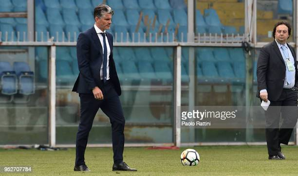 Diego Lopez head coach of Cagliari at the end of the serie A match between UC Sampdoria and Cagliari Calcio at Stadio Luigi Ferraris on April 29 2018...