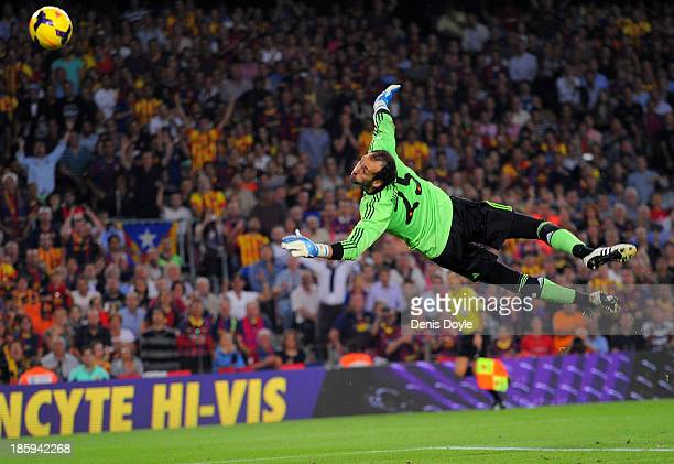 Diego Lopez of Real Madrid CF fails to stop Alexis Sanchez scoring Barcelona's 2nd goal during the La Liga match between FC Barcelona and Real Madrid...