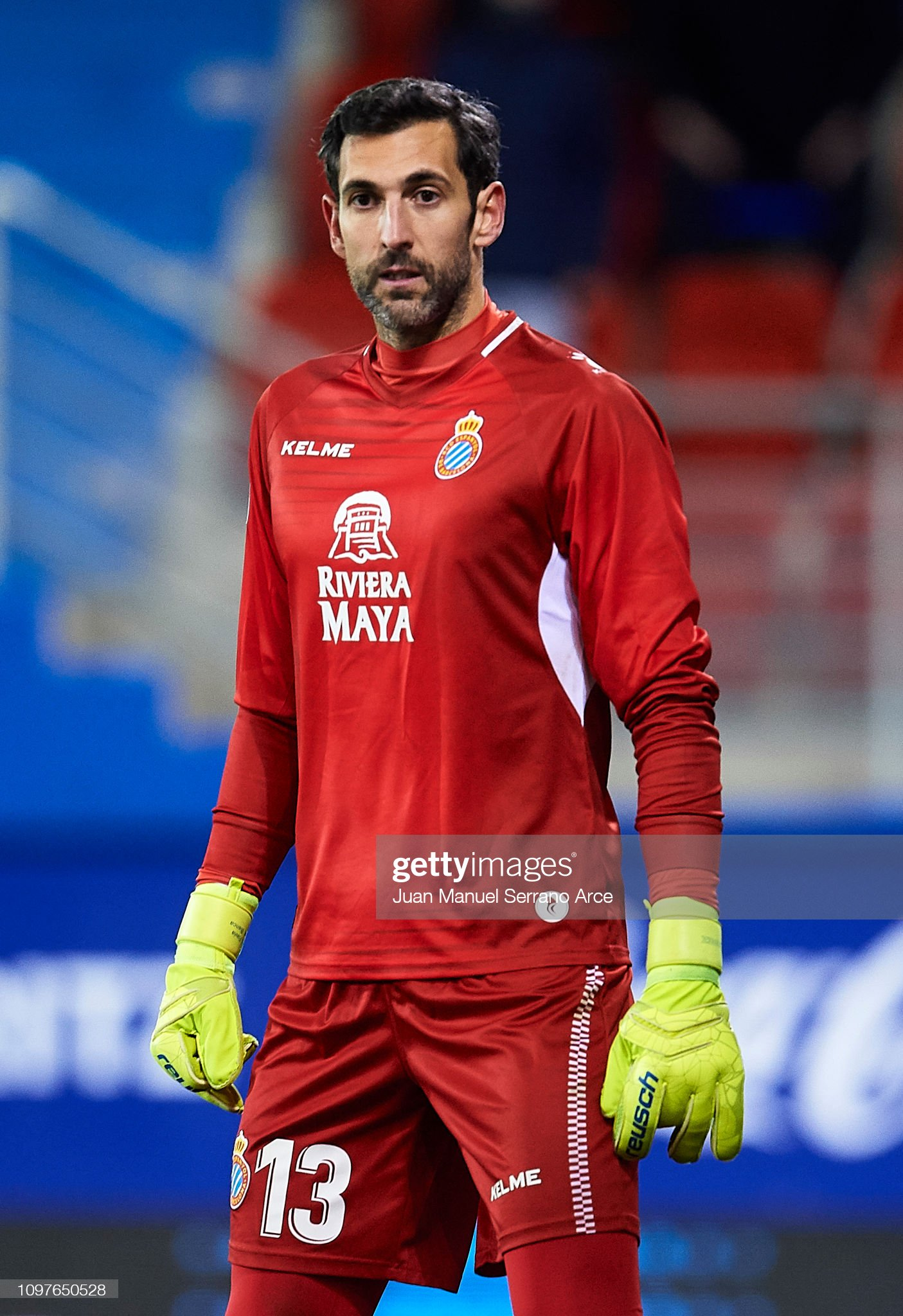 ¿Cuánto mide Diego López? - Altura - Real height Diego-lopez-rodriguez-of-rcd-espanyol-reacts-during-the-la-liga-match-picture-id1097650528?s=2048x2048