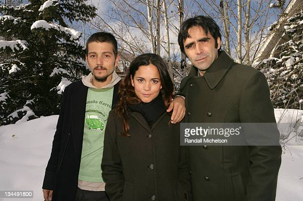 Diego Luna Alice Braga and Carlos Bolado during 2006 Sundance Film Festival Solo Dios Sabe Outdoor Portraits in Park City Utah United States