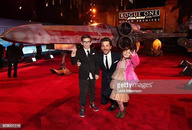 Diego Luna and children Jeronimo Luna and Fiona Luna attend the premiere of Walt Disney Pictures And Lucasfilm's Rogue One A Star Wars Story at the...