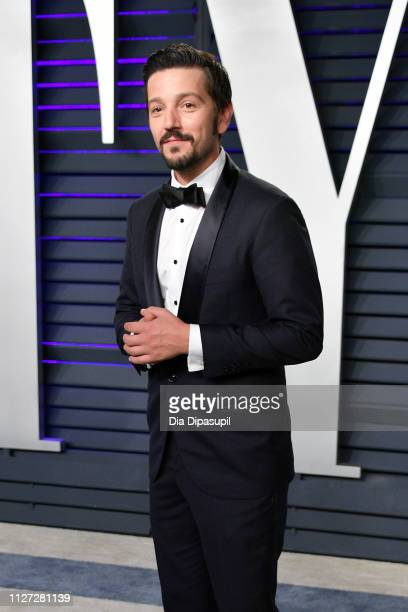 Diego Luna attends the 2019 Vanity Fair Oscar Party hosted by Radhika Jones at Wallis Annenberg Center for the Performing Arts on February 24 2019 in...