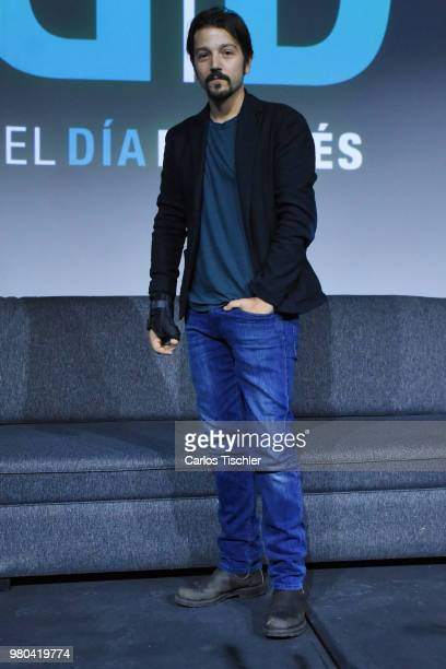 Diego Luna attends the ' El Dia Despues' press conference at Tanganica Forum on June 19 2018 in Mexico City Mexico 'El Dia Despues' is a citizen...