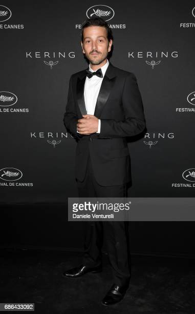 Diego Luna attends the Women in Motion Awards Dinner at the 70th Cannes Film Festival at Place de la Castre on May 21, 2017 in Cannes, France.