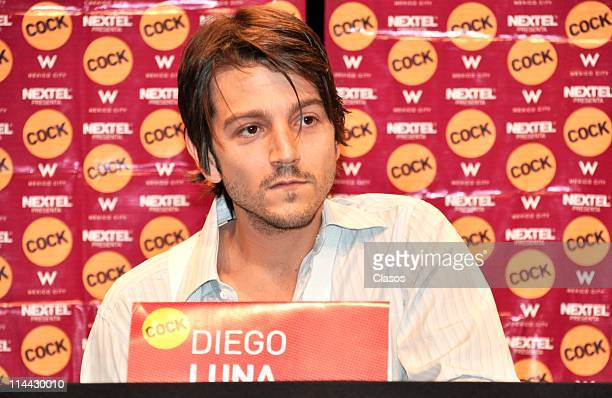 Diego Luna during a press conference at Teatro Insurgentes on May 19 2011 in Mexico City Mexico