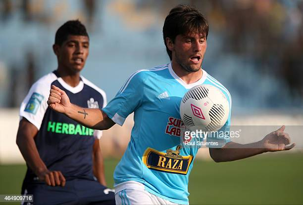 Diego Manicero of Sporting Cristal controls the ball during a match between Sporting Cristal and San Martin as part of Torneo del Inca 2015 at...