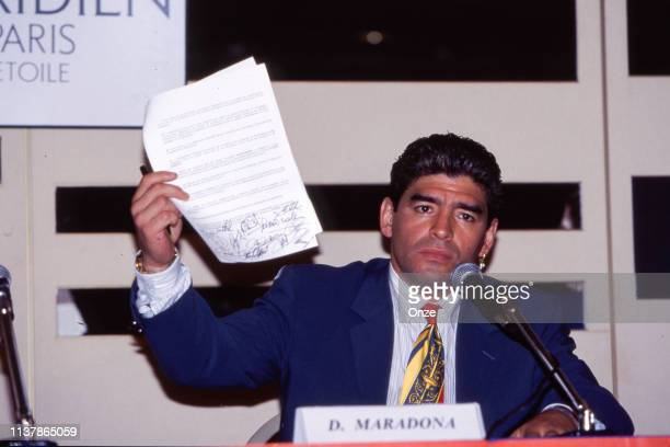 Diego Maradona of Argentina during the presentation of the new international player union in Paris, France on September 18th 1995