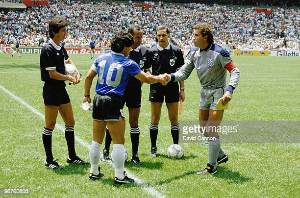 Diego Maradona of Argentina shakes hands with Peter Shilton of England before the 1986 FIFA World Cup Quarter Final on 22 June 1986 at the Azteca...
