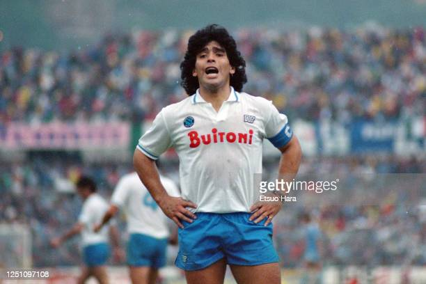 Diego Maradona of Napoli in action during the Serie A match between Como and Napoli on May 3, 1987 in Como, Italy.