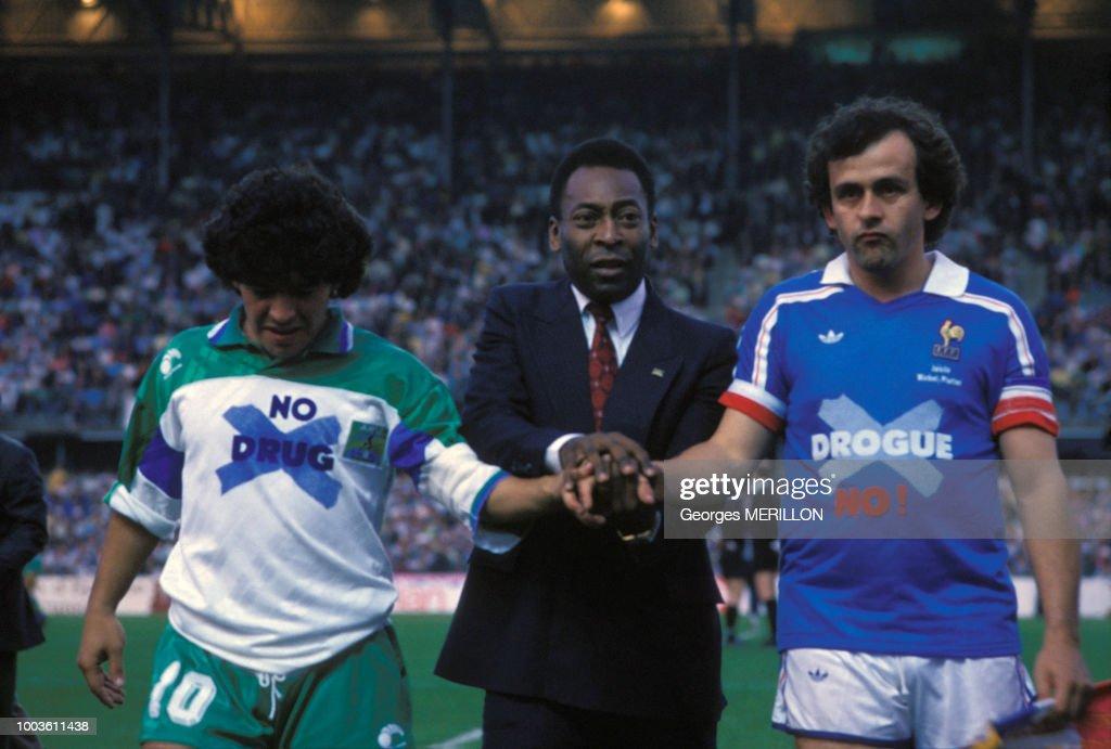 Diego Maradona, Pelé et Michel Platini en 1988 : Fotografía de noticias