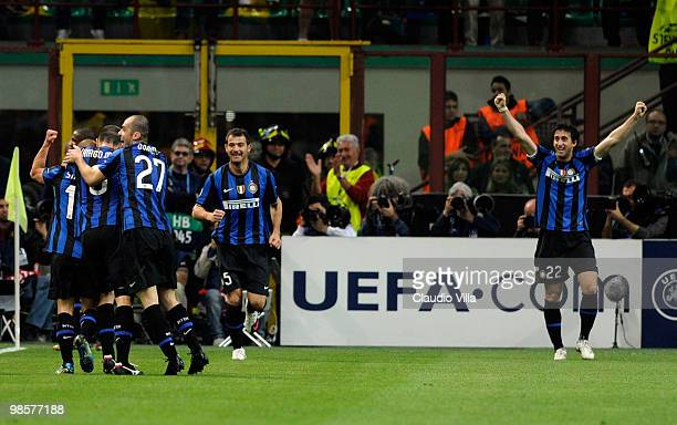 Diego Milito and Inter Milan teammates celebrate his 31 goal during the UEFA Champions League Semi Final First Leg match between Inter Milan and...