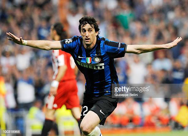 Diego Milito of Inter Milan celebrates after scoring the second goal during the UEFA Champions League Final match between FC Bayern Muenchen and...