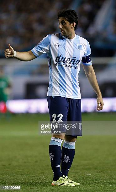 Diego Milito of Racing Club gives a thumb up during a match between Racing Club and River Plate as part of 17th round of Torneo de Transicion 2014 at...