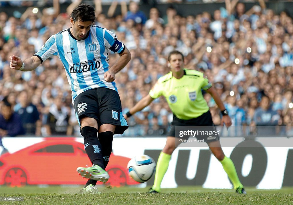 Racing Club v Independiente - Torneo Primera Division 2015
