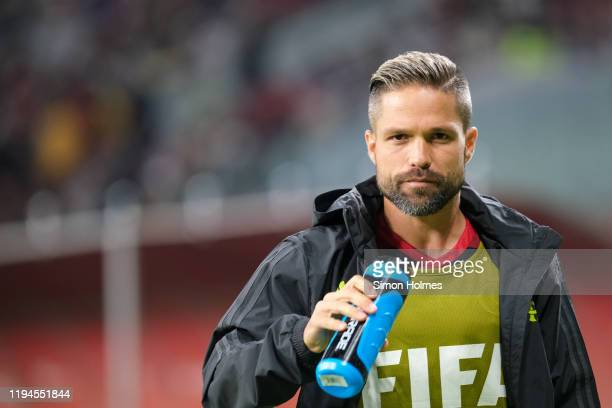 Diego of CR Flamengo cools off before the FIFA Club World Cup semifinal at Khalifa International Stadium on December 17 2019 in Doha Qatar