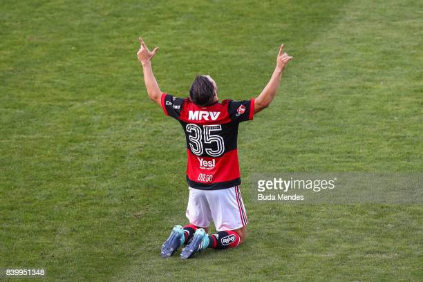Diego of Flamengo celebrates a scored goal Atletico PR during a match between Flamengo and Atletico PR as part of Brasileirao Series A 2017 at Ilha...