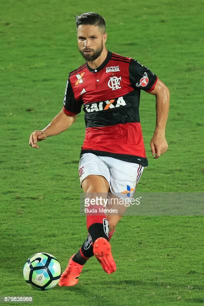 Diego of Flamengo controls the ball with of Santos during a match between Flamengo and Santos as part of Brasileirao Series A 2017 at Ilha do Urubu...