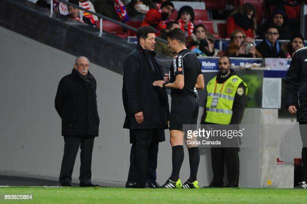 Diego Pablo Simeone manager of Atletico de Madrid during The La Liga match between Club Atletico de Madrid and Deportivo Alaves at Wanda...