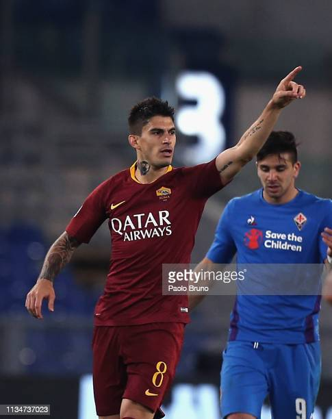 Diego Perotti of AS Roma celebrates after scoring the team's second goal during the Serie A match between AS Roma and ACF Fiorentina at Stadio...