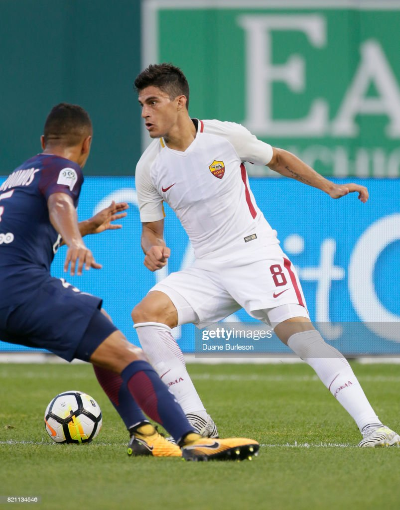 Diego Perotti of AS Roma controls the ball against Marquinhos of... News  Photo - Getty Images